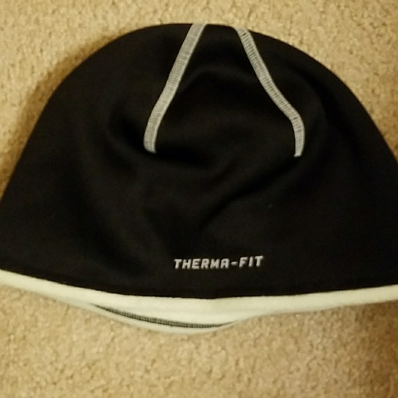 Nike therma fit beanie. 60ee37619cb